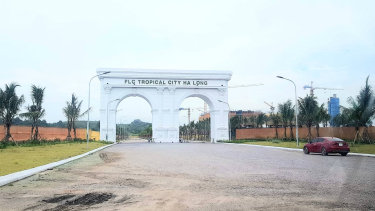 Cổng chính dự án FLC Tropical City Hạ Long